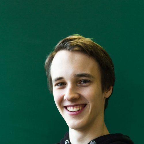 Julian Bohm spielte Clov