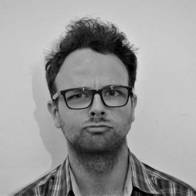 Georg-Alexander Geck spielt Henry Baker