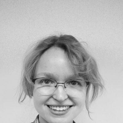 Lena Jürgens spielt Beckmann und den Direktor