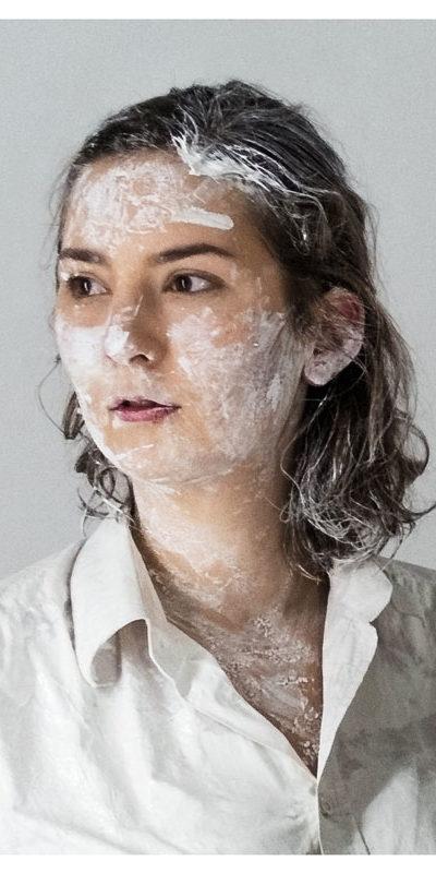 Henrietta Fleischmann spielt Serge